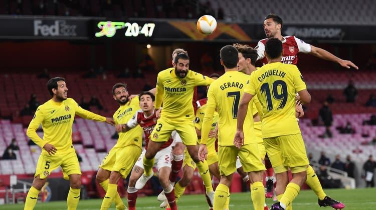 Edinson Cavani dreht nach seinem Tor zur 1:0-Führung für Manchester United jubelnd ab. Die Engländer ziehen schliesslich trotz einer Niederlage in den Final ein. (Keystone)