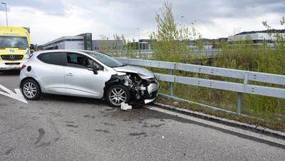 Der Unfallverursacherin wurde der Fahrausweis entzogen. (Bild: Kapo)