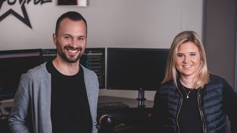 André Sauser und Deborah Zaugg moderieren ab kommendem Montag die Morgenshow bei Radio Argovia. (Bild: Radio Argovia)