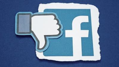 Facebook sperrt Nutzer ohne zu erklären, warum– jetzt wird auch intern Kritik laut