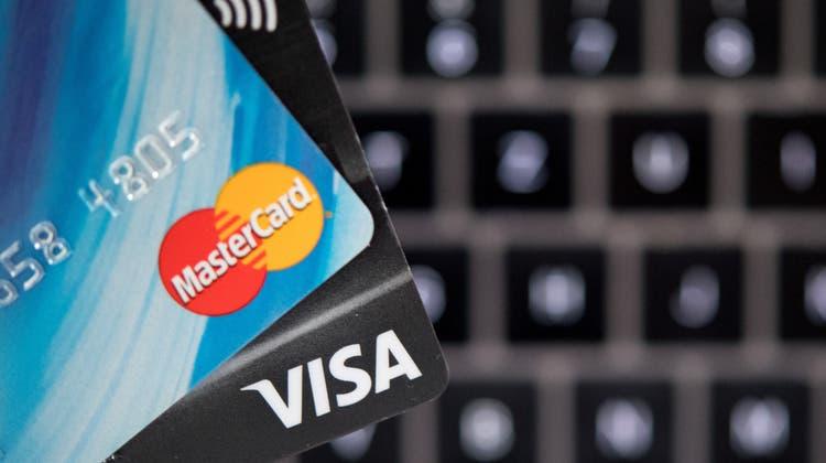 Ist dank dem Online-Boom neu dasumsatzstärkste Zahlungsmittel: die Kreditkarte. (Symbolbild) (Keystone)