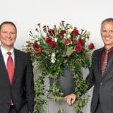 Ein Bild von der etwas anderen Generalversammlung der Regiobank Solothurn. Von links: Philipp Simmen, Verwaltungsratspräsident und Markus Boss, CEO. (zvg)