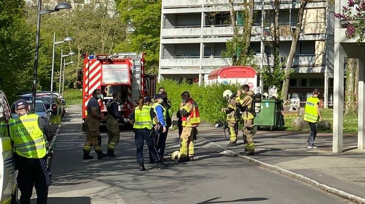Im Blaulicht-Ticker finden Sie die aktuellen Aargauer Polizeimeldungen. (Shutterstock/Montage:mwa)