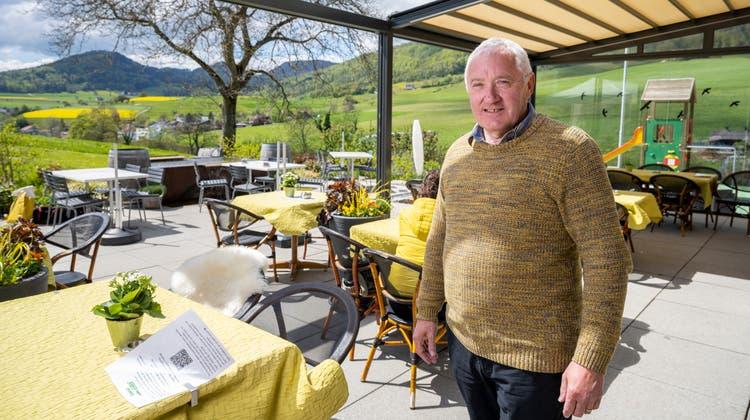 Hausi Schneider auf der Restaurant-Terrassedes «Gehren.» (Alex Spichale / AAR)