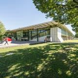 Eine Analyse der Stadt St.Gallen zeigt, dass Sportanlage grundsätzlich ansprechend sind, teilweise aber erneuert werden müssen – hier im Bild die Sporthalle Kreuzbleiche. (Bild: Hanspeter Schiess)