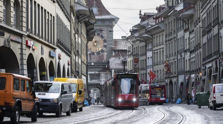 Eine Volksinitiative verlangt, dass der öffentliche Verkehr in der Stadt Bern künftig für alle gratis ist. (Keystone)