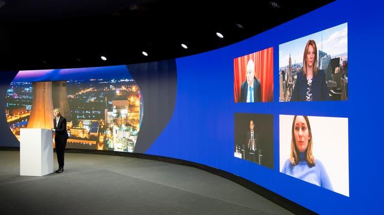 Sterile Atmosphäre am St.GallenSymposium: Virtuelle Referentinnen und Referenten vor virtuellem Publikum. (Bild: Ralph Ribi (5. Mai 2021))