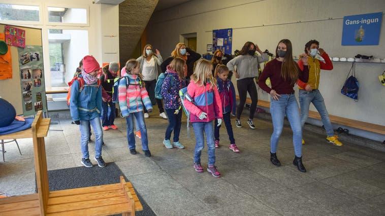Die Teilnahme an der Jerusalema-Dance-Challenge hat der Schule Gansingen viel Spass gemacht. (Bild: zvg)