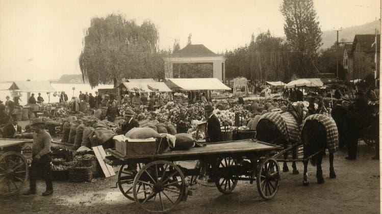 Der Kabismarkt in Rorschach an einem Novembertag in den 1930er Jahren. (Bild: Josef Elsener)