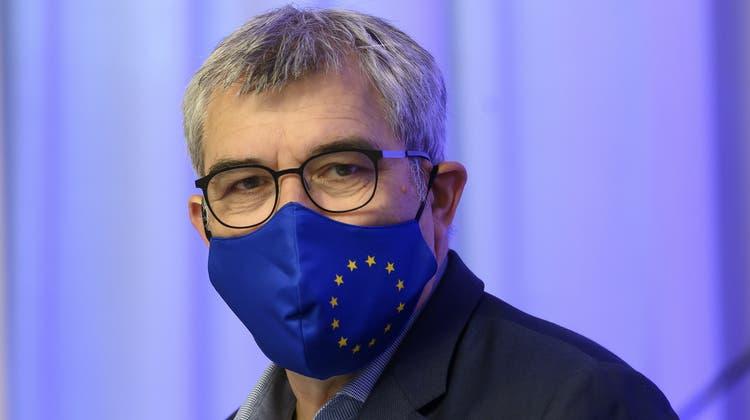 Eric Nussbaumer, Präsidentder Europäischen Bewegung Schweiz und Nationalrat (SP/BL), am Samstag vor der Generalversammlung in Bern. (Keystone)