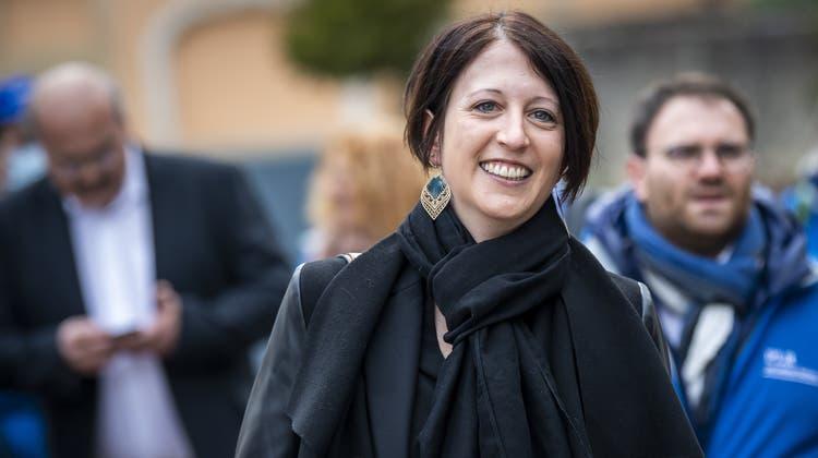 Crystel Graf zieht für den Freisinn neu in den Neuenburger Staatsrat ein. Damit stellen die FDP wieder die Mehrheit in der Kantonsregierung. (Keystone)