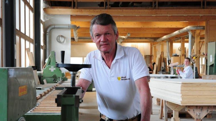 Seit 50 Jahren arbeitet Migg Diem als Zimmermann. (Bild: Sabrina Bächi)