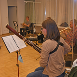 Dank mobiler und transparenter Hygieneschutzwänden dürfen die Musikantinnen und Musikanten in Widnau und Heerbrugg wieder in Fünfzehnergruppen proben. (Bild: Monika von der Linden)