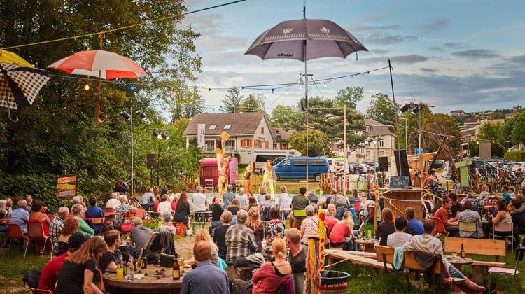 Eine Auftrittsmöglichkeit für die Artisten und zugleich ein Höhepunkt im Programm der Sommerbar war im vergangenen Jahr das «Nousu»-Festival, es wird heuer auch stattfinden. (Henry Schulz)