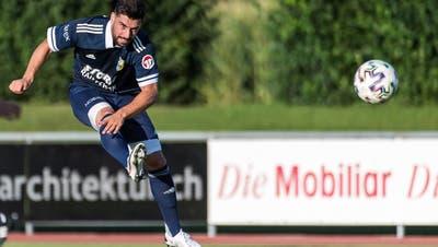 Orcun Cengiz und der FC Uzwil messen sich am Mittwoch ab 19.45 Uhr auf der Sportanlage Rüti mit dem FC Tuggen. (Michel Canonica (Henau, 15. August 2020))