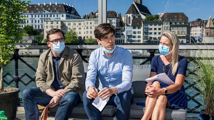 Medienkonferenz derKunsttage Basel im Café Spitz: Daniel Kurjakovic, Carlo Knöll und Petra Sigg (v.l.). (Kenneth Nars)