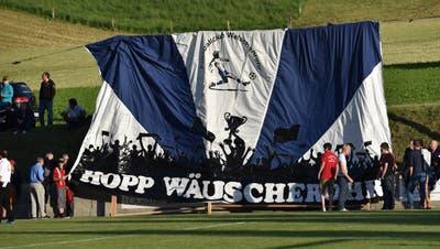 Der Underdog FC Welschenrohr will im Solothurner Cup ein Wörtchen mitreden. Auf ihre Fans können sich die Welschenrohrer verlassen, wie in den Aufstiegsspielen 2015. (Bruno Kissling)