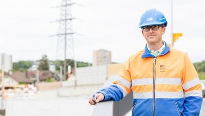 «Diese Baustelle macht Freude», sagt Projektleiter Marcel Voser, hier bei der Habsburgbrücke. (Severin Bigler (26. Mai 2021))