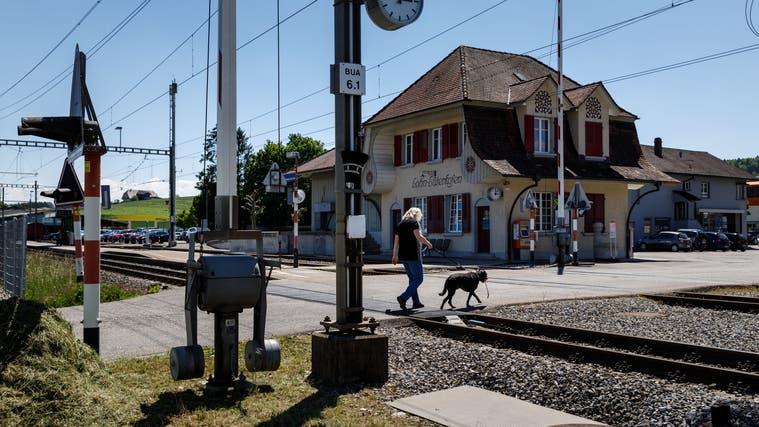 Bahnübergang Bahnhof Lohn-Lüterkofen. (Hanspeter Bärtschi)