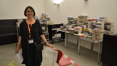 Aus Sicherheitsgründen richteten Lilo Moser und ihr Team bei derMedienrückgabe einen Buch-Quarantäneraum ein. (Daniel Vizentini (dvi))