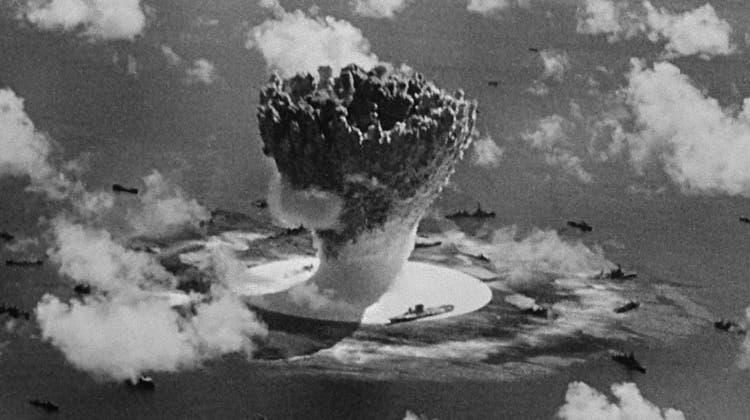 Eine Wucht: Filmstill aus Bruce Conners «Crossroads» (1976), das die Atombombentests im Bikini Atoll von 1946 zeigt. (Conner Family Trust)
