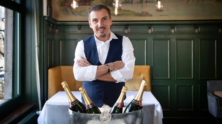 Wirt Alessandro Hasler im St.Galler Jugendstil-Restaurant Wienerberg. (Bild: Ralph Ribi)