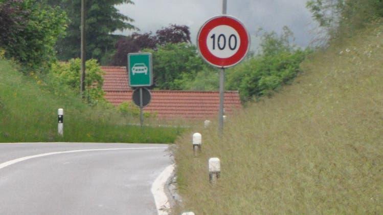 Gegen die Reduktion der Höchstgeschwindigkeit auf der Umfahrung Ebnat-Kappel regt sich Widerstand. (Bild: Sabine Camedda)