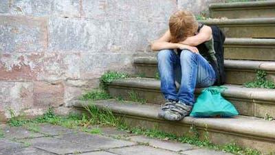 Manche Kinder fallen durch die Maschen, für sie gibt es werde in der Sonder- noch in der Regelschule einen Platz. (Symbolbild) (fotolia)