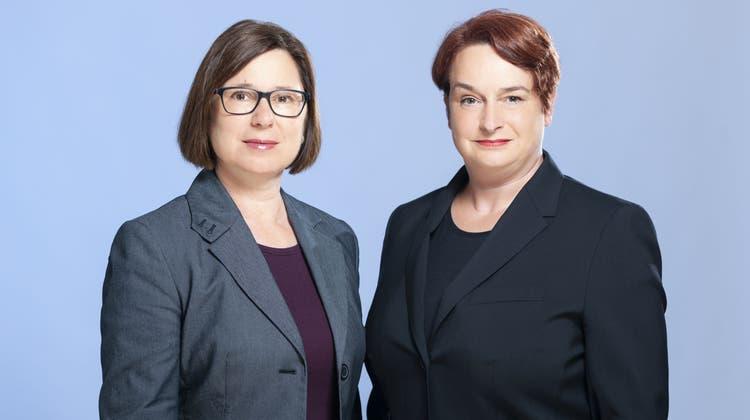 Per 1. Juli folgen sie zusammen auf Angela Weirich: Jacqueline Bannwarth(l.) und Patrizia Krug werden in Baselland Erste Staatsanwältinnen. (Zvg)