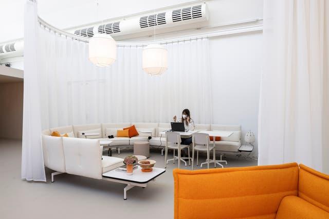 Nach Corona wollen viele im Homeoffice bleiben – jetzt müssen die Firmen mehr bieten als farbige Sofas