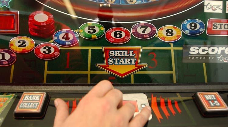 In einem Urdorfer Club fand die Kantonspolizei 2015 Glücksspielautomaten, die ohne Konzession betrieben wurden. (Nana Do Carmo)