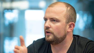 Der 31-jährige Bauingenieur Oskar Seger im Wahlkampf 2020. (Ralph Ribi)