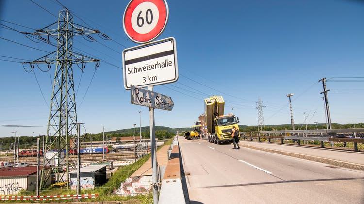 Die SBB planen bei der Grenzacherstrasse in Muttenz einen Neubau der alten Brücke über den Rangierbahnhof, doch ein Provisorium soll es während der Bauzeit nicht geben. (Nicole Nars-Zimmer)