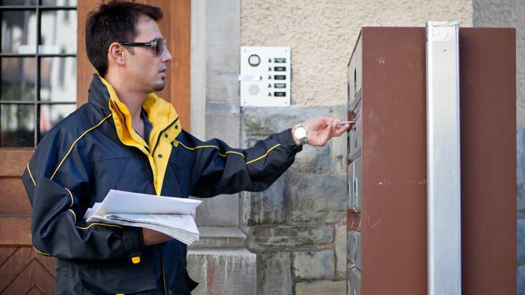 Wenn plötzlich die Post ausbleibt, wirds unangenehm – etwa, weil Mahnungen nicht eintreffen, der Empfänger, die Empfängerin davon aber lange nichts mitkriegt. (bz-Archiv)