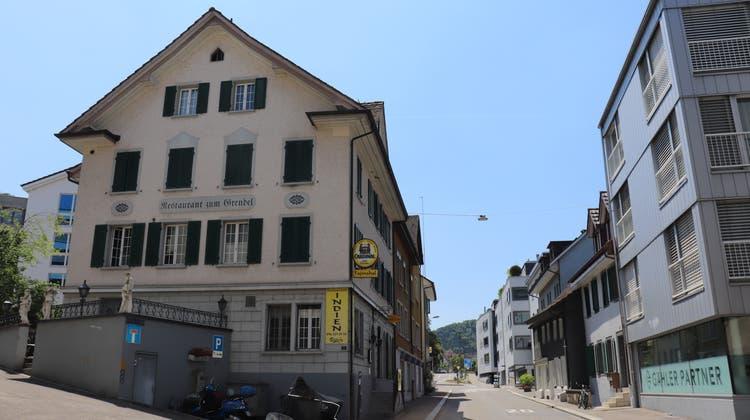 Im ehemaligen Gasthaus zum Grendel an der Sonnenbergstrasse 3 in Ennetbaden befindet sich heute das Restaurant Taj Mahal. (Rahel Künzler)