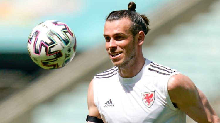 Die Probleme in Madrid sind ganz weit weg, wenn Gareth Bale bei der walisischen Nationalmannschaft weilt (Claudio Thoma/Freshfocus)