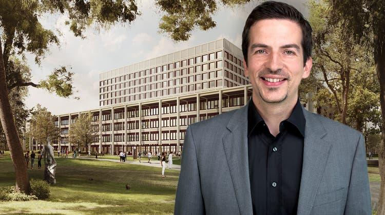 Alfred Angerer sagt mit Blick auf den geplanten Neubau, rein gesundheitsökonomisch wäre es sinnvoll, dass sich das Kantonsspital Aarau und das Kantonsspital Baden zusammentun würden. (Visualisierung/Porträt: ZVG, Montage: Kob)