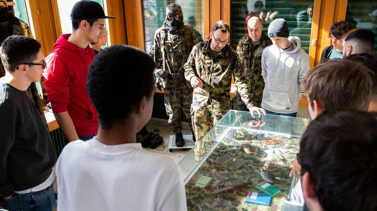 Für Männer ist er obligatorisch, für Frauen freiwillig: der Orientierungstag der Armee. (Bild: NicolaPitaro/VBS)