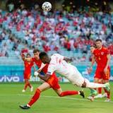 Breel Embolo erzielt in der 49. Minute das 1:0 für die Schweiz. (Bild: Claudio Thoma/Freshfocus)
