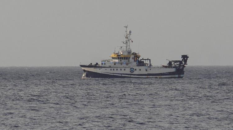 Mit dem Schiff wurde nach den Mädchen gesucht. (Foto: Keystone)