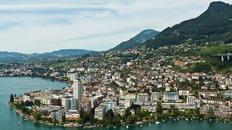 Vor der Stadt Montreux im Genferseeist ein japanischer Student beim Schwimmen ertrunken. (Symbolbild) (Keystone)