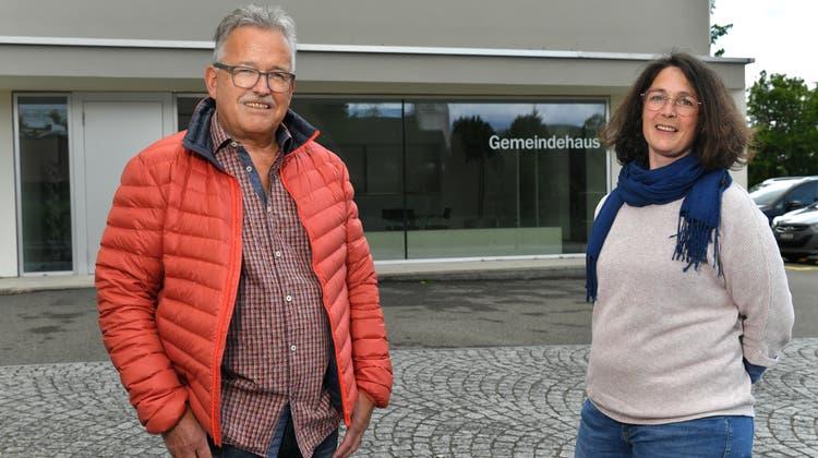 Der Bisherige Vizepräsident Walter Schärer (FOG) und die politisch Unbekannte, Barbara Gerber (SP). Das Resultat ist deutlich: Schärer istmit 76 Prozent der gültigen Stimmen gewählt. (Bruno Kissling)