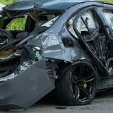 Zu schnell unterwegs: BMW überschlägt sich mehrfach