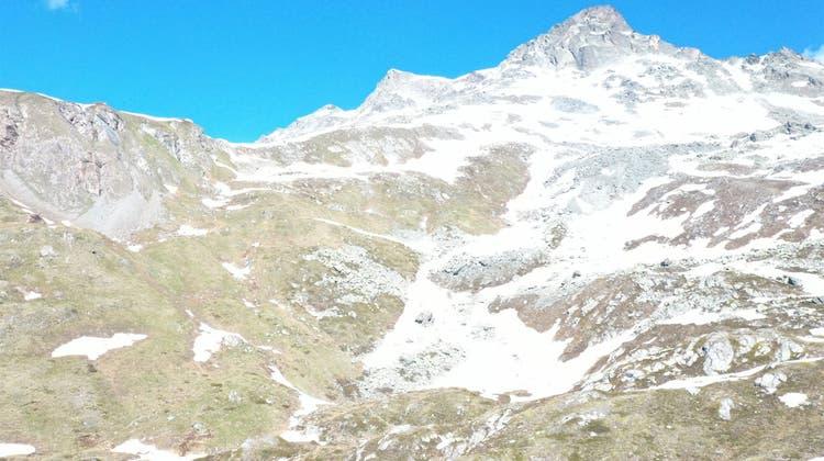 Die zwei Flugzeuge stürzten oberhalb von Bivio GR ab. Ob ein Zusammenhang besteht, ist noch offen. (Kapo GR)