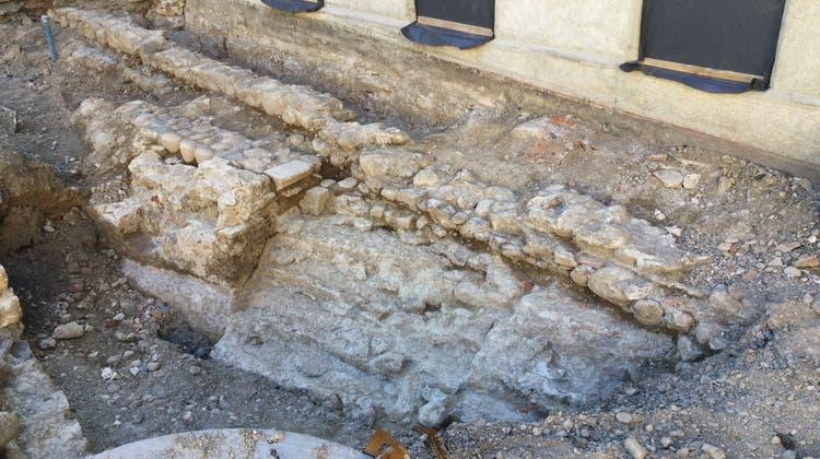 Neue Funde zum Verenabad‒ doch schon bald verschwinden sie wieder unter dem Erdboden