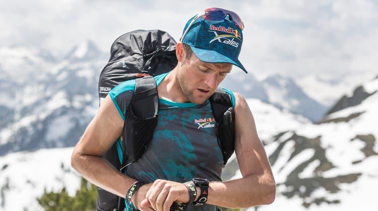 Er hat seinen Gleitschirm im Griff: Chirgel Maurer fliegt bei den X-Alps durch die Berge. (Bild: Red Bull (Goldeck, 3. Juli 2017))