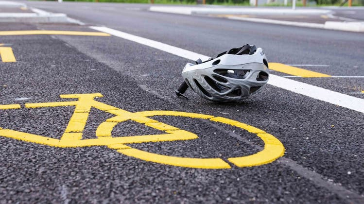 Der Velofahrer war abwärts in Richtung Innenstadt unterwegs und sei ohne Fremdeinwirkung gestürzt. (Symbolbild/Kapo SG)