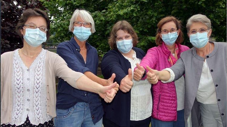 Freuen sich auf den Zusammenschluss: Anita Schüepp (Spitex Bremgarten und Mutschellen), Corinna Ganzoni Stettler (Spitex Bremgarten), Eva Gemmrich (Spitex Kelleramt), Monika Wehrli (Spitex Niederwil-Fischbach-Göslikon) und Xenia Bonsen (Spitex Mutschellen, von links). (zvg)