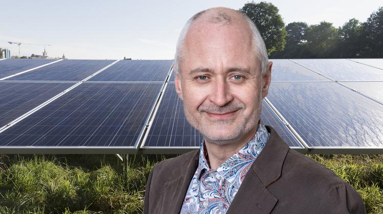 Es braucht mehr Solarpanels, sagt der Swisspower-Chef Kaufmann. Nicht nur in den Städten, wie hier auf dem Dach des Genfer Stadions, sondern vor allem auch im hochalpinen Raum. (Bild: Salvatore Di Nolfi / Keystone)