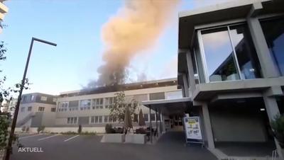 Der Brand brach in der Loftwohnung im obersten Stock aus. (Kapo SO)